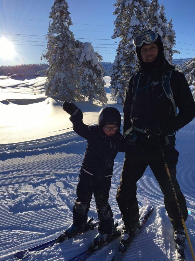 Melker och Anders på skidor