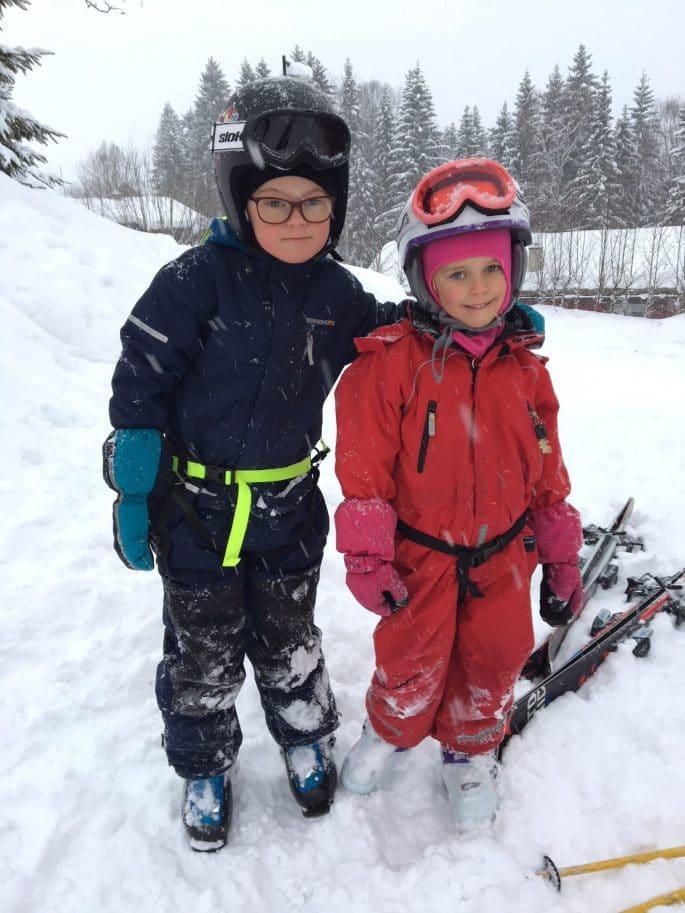 Melker och Molly i snön