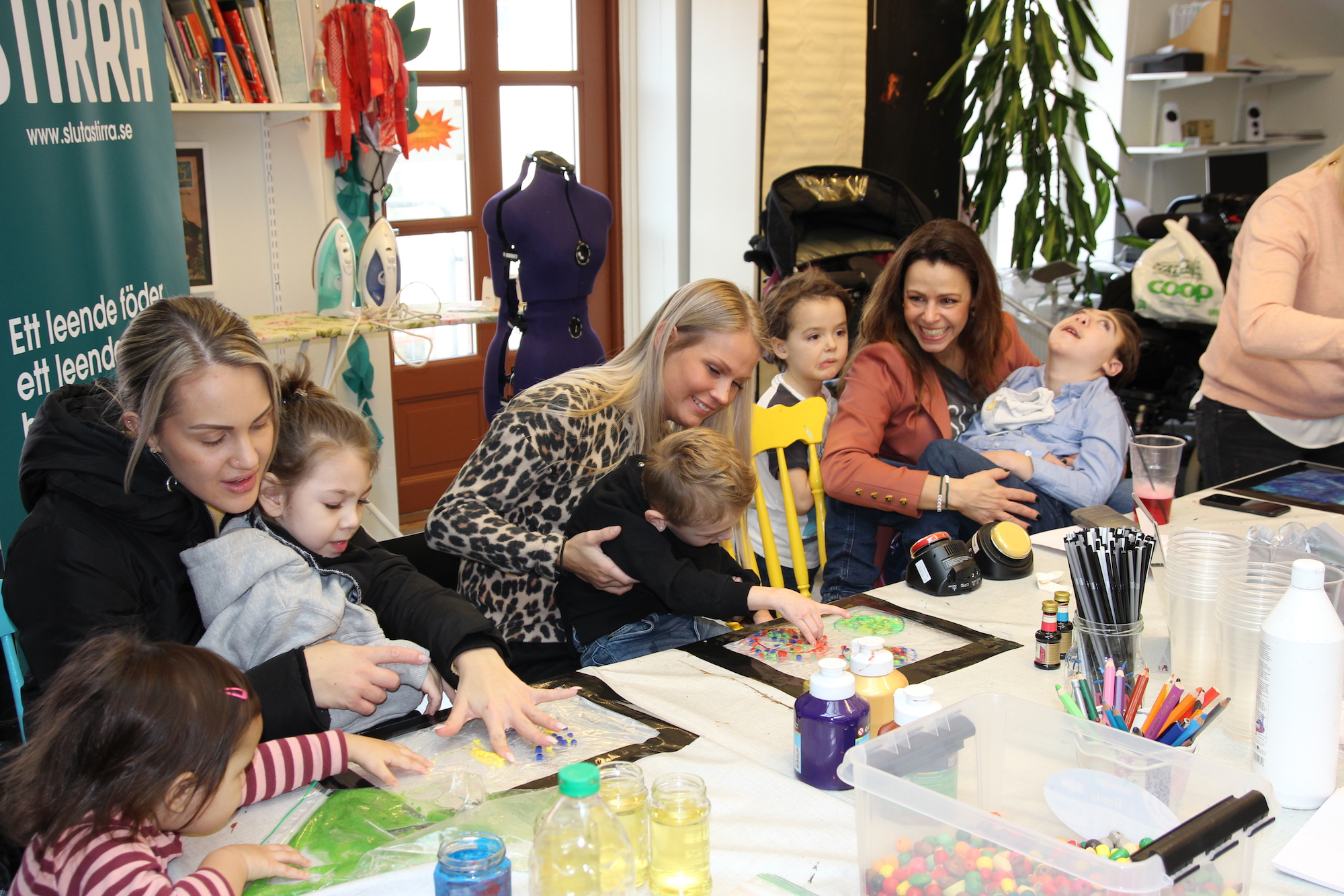 parnets and children together at the party